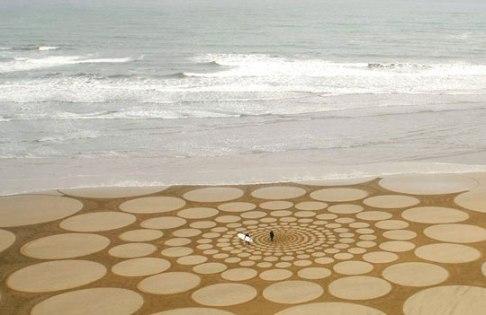 ζωγραφική-στην-άμμο_1
